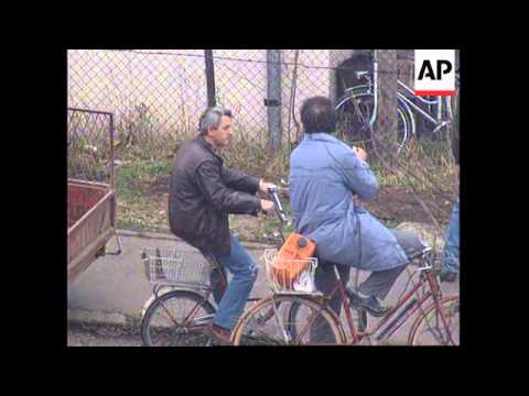BOSNIA: BANJA LUKA: BRITISH TROOPS ENTER TOWN