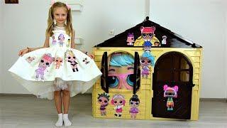 Polina está decorando la casa de pegatinas y un vestido nuevo.