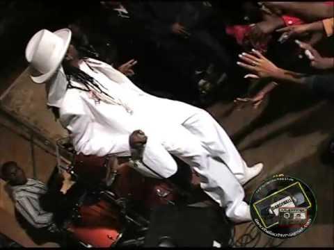 KING OF THE DANCEHALL BEENIE MAN CASCADE,HANOVER JAMAICA 2004