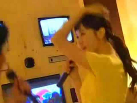 Lee Da Hae singing in KFF