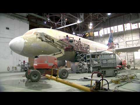 Time-lapse of US Airways aircraft painted in new American Airlines livery