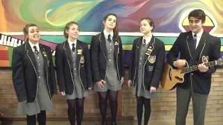 """Grens Hoërskool Studente sing """"Toe vind ek jou"""""""