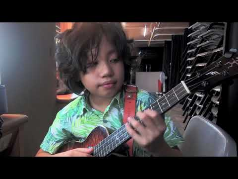 I'm a one man band, uptown funk  Mark Ronson ft Bruno Mars, played  Feng E, ukulele