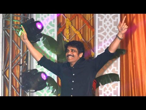 Nagarjuna Dancing On Stage @ Rarandoi Veduka Chuddam Audio Veduka | Naga Chaitanya | Rakul | DSP