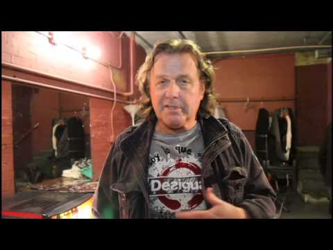 John Wetton of ASIA Gives A Salute to the Troops