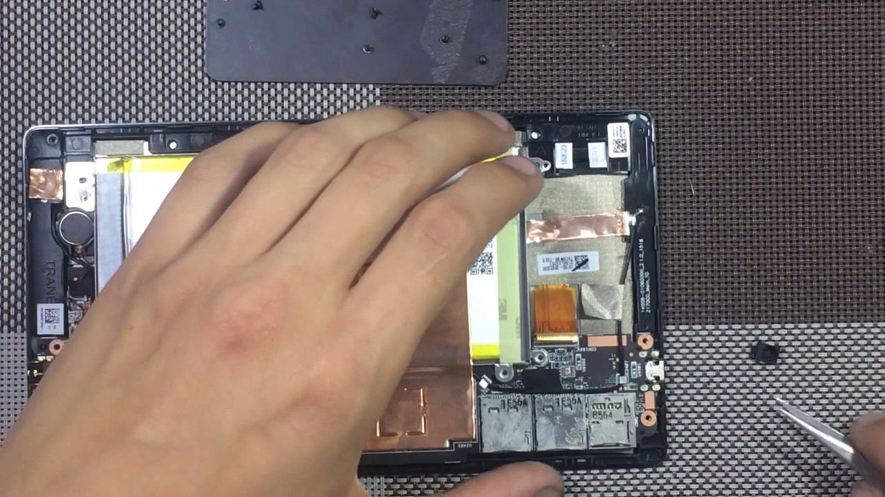 Asus ZenPad C 7 0 Z170C Wi-Fi how to disassemble, replace the display with  a touch screen