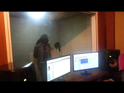 R2BEES  Seshi ds media facebook streebeetsgh studio sessions