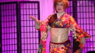開幕2番目は、はるちゃんさん、颯爽と、、わわわ、、。 綺麗に踊られま...