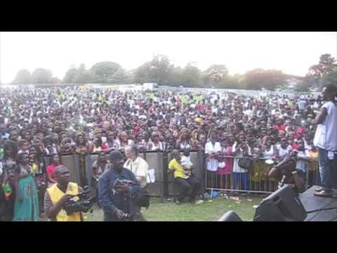 PIK N MIX TV - Donaeo Live @ Ghana In The Park 09 - Party Hard, African Warrior Plus more