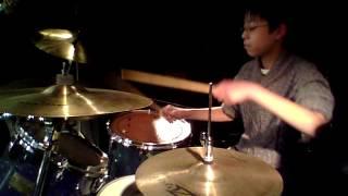 小学校6年生の息子がロックドラムを極めんとしてHANOI ROCKSの「Tragedy...