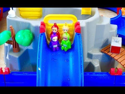 TELETUBBIES TOYS Water Slide TREASURE HUNT!
