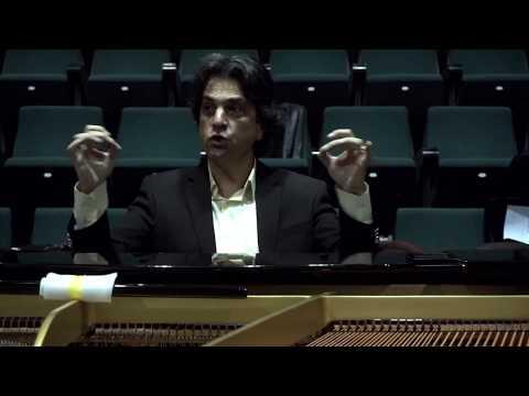 A rehearsal's secrets...V. Tsabropoulos / Στα μυστικά μιας πρόβας..., Βασίλης Τσαμπρόπουλος