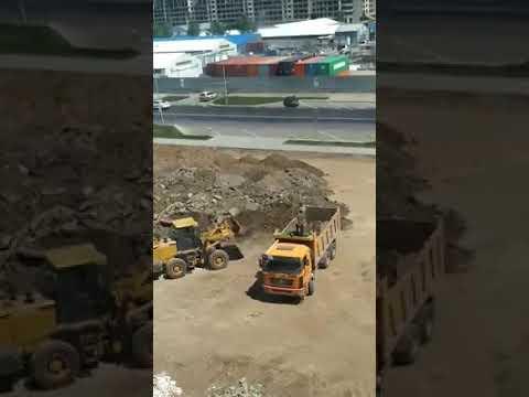 Бессмысленная работа строителей в Астане