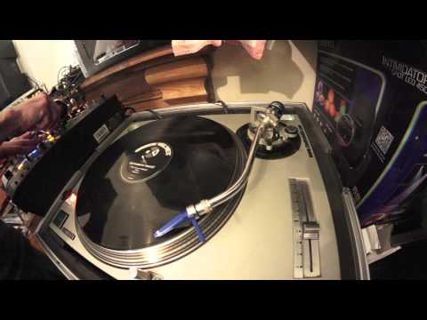DJ MIXING LESSON ON RIDING THE PITCH FOR VINYL CDJ AND CONTROLLER.