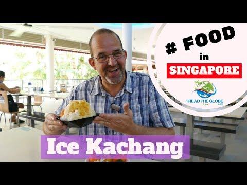 Sampling food in Singapore - Ice Kachang & Chwee Kueh