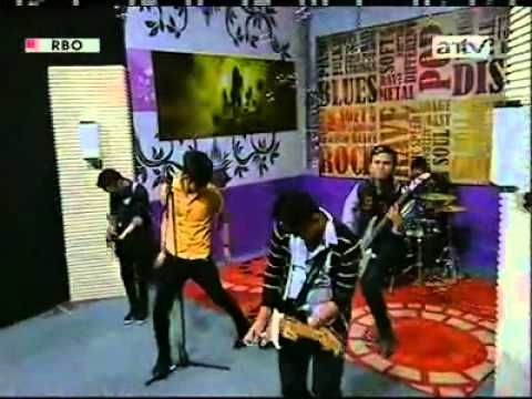 STATUZ BAND - CINTA SESAAT (PESBUKERS 05-10-2012).mp4