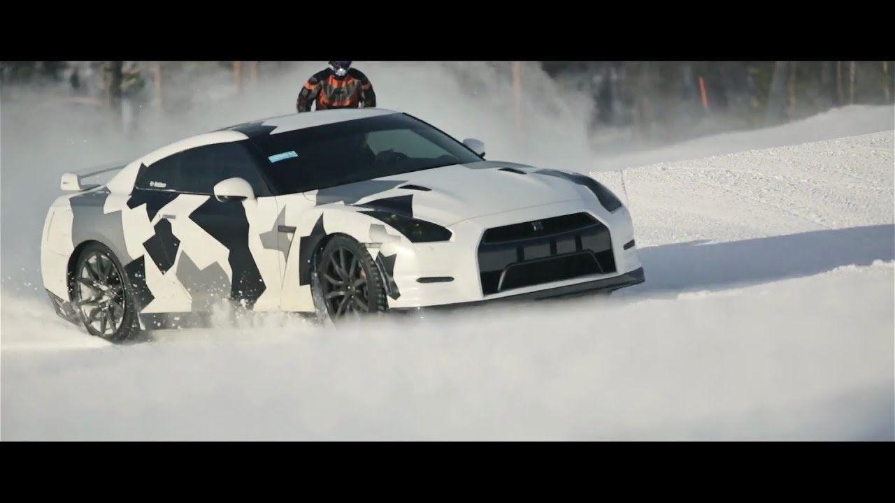 Nissan Gt R Ski Slope Youtube