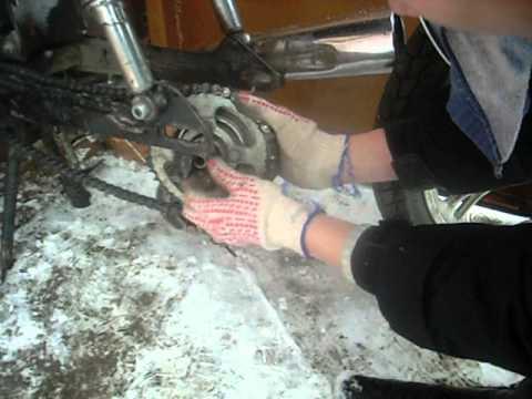 Как поставить заднее колесо на мопед альфа