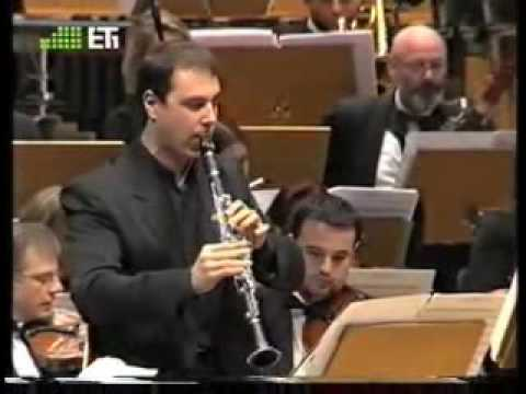 "Spyros Mourikis plays Gemini's ""Cio che mai Narciso disse"" for clarinet and orchestra"