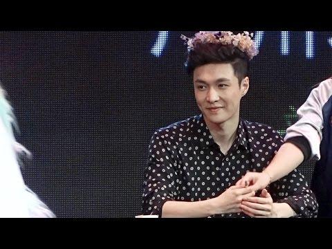 161204 Guangzhou fansign - Yixing in flower 張藝興 Lay