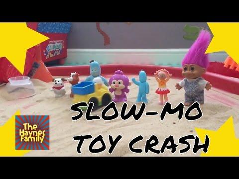 SLOW MOTION toys crash!!! In The Night Garden Iggle Piggle, Upsy Daisy crash slow mo! FAIL CRASHES