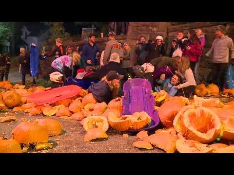 Annual pumpkin roll in Chagrin Falls
