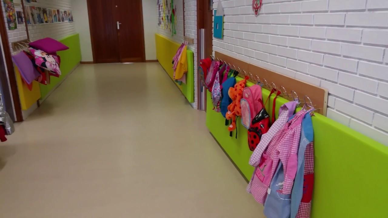 Protecci n de pared con paneles acolchados como seguridad for Paredes sensoriales