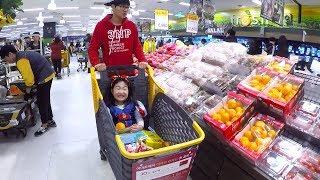 마트에서 색깔 장보기 놀이 했어요! 카트 타고 여러가지 음식으로 색깔 배우기 Learn Colors Supermarket Song