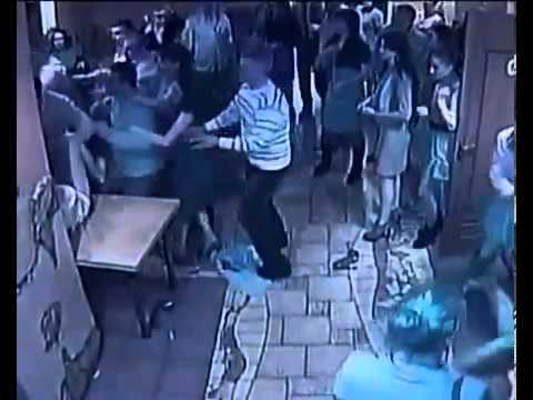 Азербайджанцы избивают дагестанок.бойцы сука