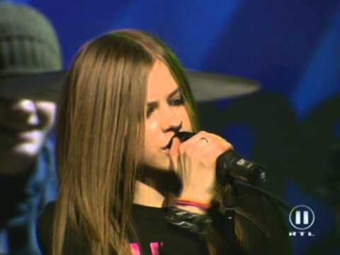 Avril Lavigne - Complicated & Sk8er Boi @ Live at The Dome 30/11/2002