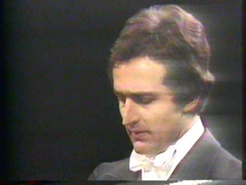 Haydn Symphony No. 95 in C minor, Hob.I:95 - III. Menuetto, Conductor: Bernhard Klee