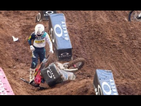 Jeremy Martin out for Oakland | 2017 AMA Supercross | Breaking News Update