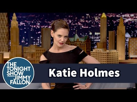 Katie Holmes s Off Her Beyoncé Super Bowl Halftime  Moves