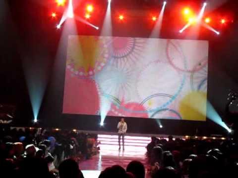 Vidi Aldiano-Gadis Genit (Live at Malam Final GADIS Sampul 2011)
