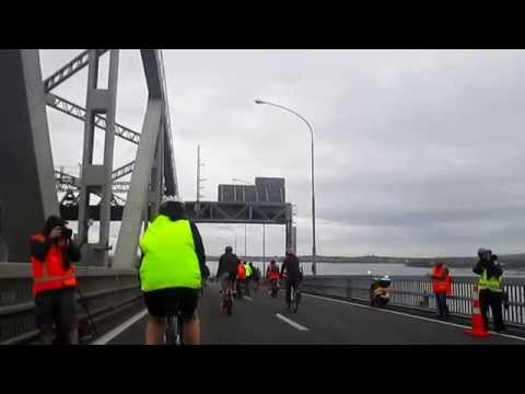 Bike the Bridge Auckland 2015