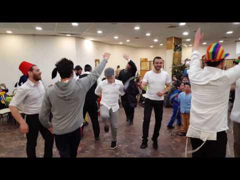 Fiesta de Purim de Aish HaTorah Yeshivá Latina