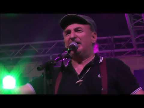 concerto della formazione  Lou Dalfin 11 Collegno Folk Festival