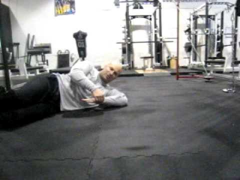 DeFrancosGym.com Joe DeFranco's Upper body warm-up routine