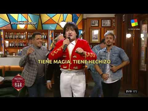 Albertito fue Ricky Maravilla y le cantó a Maradona