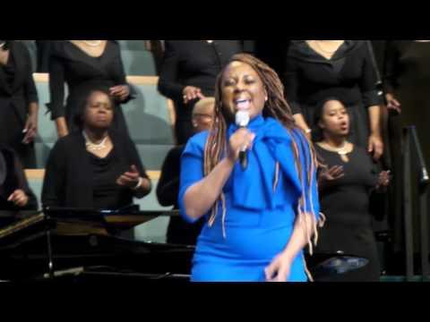 Ledisi Singing