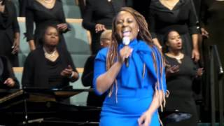 Ledisi Singing