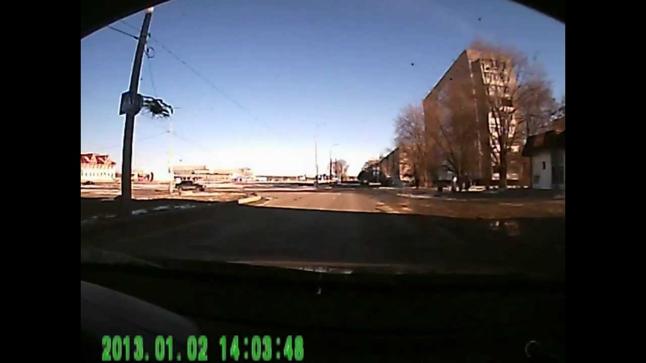 Очередная дура на дороге 2.01.13