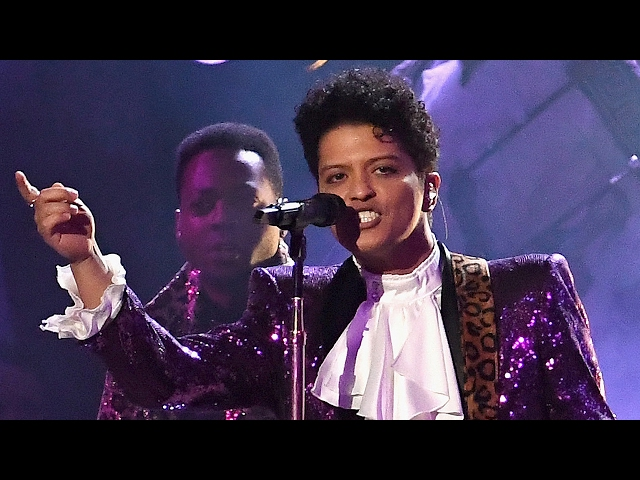 Bruno Mars ROCKS Purple Suit For Prince Tribute Performance With The Time At 2017 Grammy Awards
