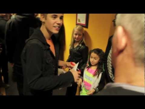Justin Bieber at Power 106 looking for DJ Vick One