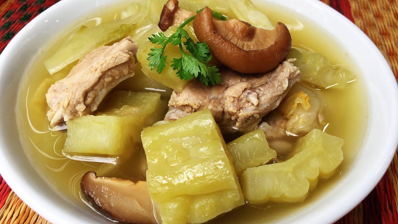 ต้มมะระกระดูกหมูผักกาดดอง ต้มมะระไม่ให้ขม น้ำซุปใสน่าทาน/Bitter gourd soup with pork sparibs recipe - YouTube