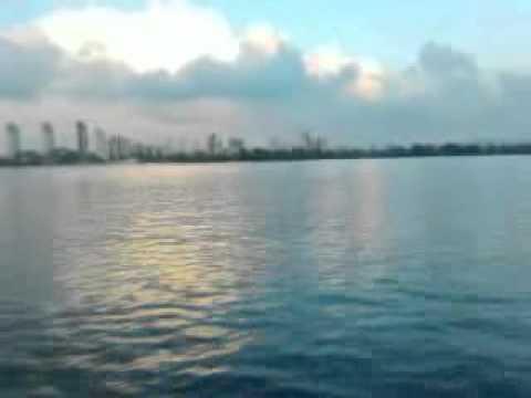 видео: Старт катера Москва-2l 3.0d (mercedesom617)