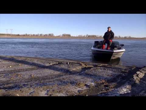 Mental Health Day on the Missouri River - In-Depth Outdoors TV Season 8, Episode 14