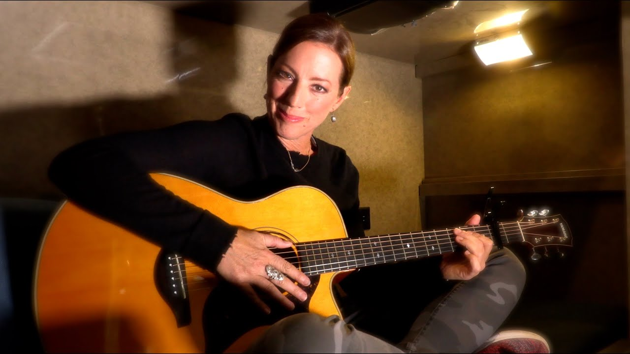 """Download Sarah McLachlan performs """"Ice Cream"""" from her tour bus bed 