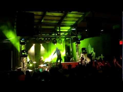 "Twenty One Pilots ""Ode To Sleep"" live at SXSW!"