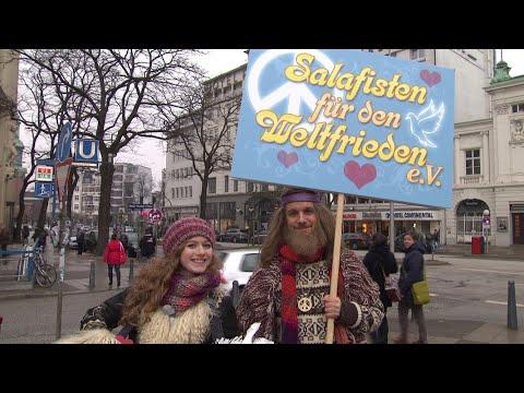 Schlegl in Aktion: Salafisten für Weltfrieden | extra 3 | NDR